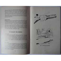 Triumph Owners Handbook 1973 T100R 03.jpg