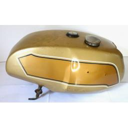 Petrol Tank - Triumph T140 UK Gold and Gold 02.jpg