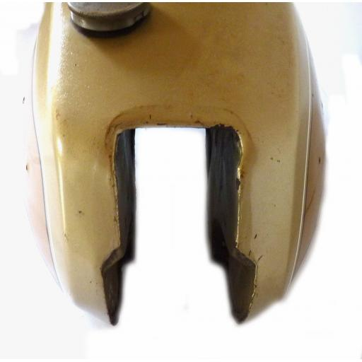 Petrol Tank - Triumph T140 UK Gold and Gold 04.jpg