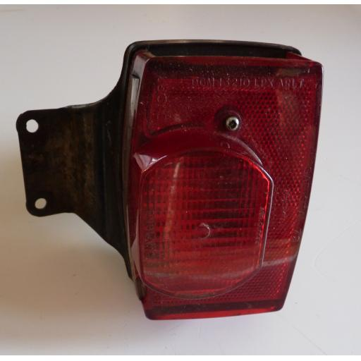 T140 Square Back Light UK 04.jpg