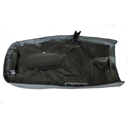 Seat Norton Commando CRS00015 02.jpg